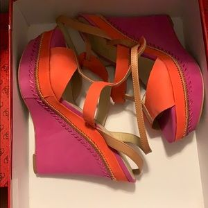 Beautiful Color Guess Wedges